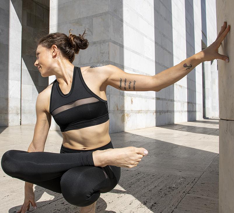 Completo Yoga Top Clio Leggings Aura Aria